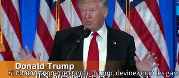 Donald Tump, en conférence de presse, s'exprime de la même manière que lors des rassemblements qu'il anime