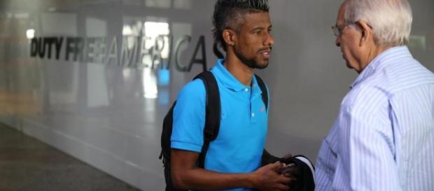 Léo Moura é aposta de Renato Gaúcho