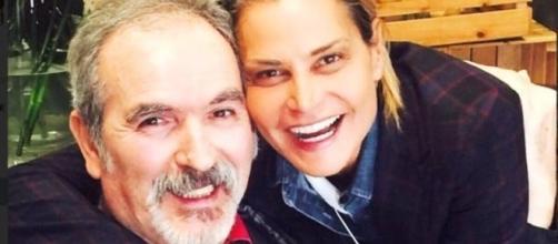 Lamberto Sposini posa con Simona Ventura a 5 anni dall'ictus - today.it