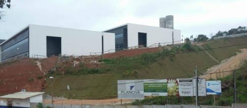 Obras praticamente terminada, faltando só boa vontade da atual administração da prefeitura.