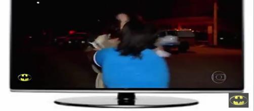 Repórter é agredida por mãe de um dos detentos