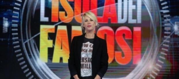 ISOLA DEI FAMOSI 2017 Alessia Marcuzzi alla conduzione
