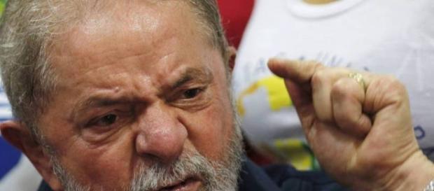 Lula afirma que, se necessário, será candidato a presidente em 2018