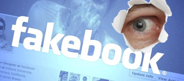 Sapete che si possono spiare le attività dei vostri amici su Facebook? Vediamo quali sono le app che lo permettono