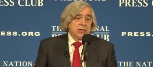 DOE head Ernest Moniz at the National Press Club. NPC Live (YouTube-Screencap)