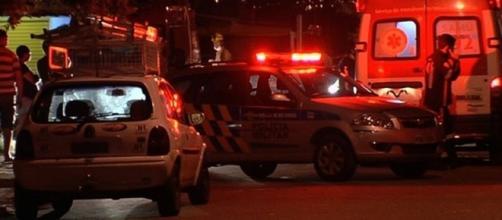 Equipes de resgate dos bombeiros e SAMU tentaram reanimar a garotinha