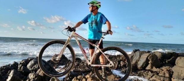 Antônio Caporazzo e sua bicicleta
