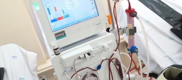 Maquina de hemodiálise, procedimento que faz a filtragem do sangue