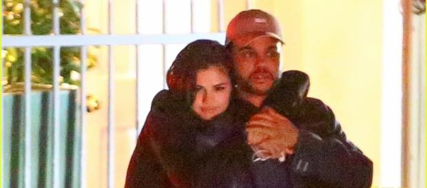 Selena Gomez & The Weeknd Kiss & Get Very Cozy in Hot New Pics ... - justjared.com