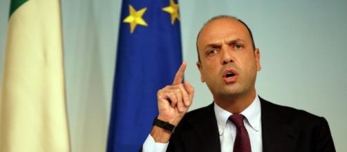 Governo, la Lega vuole sfiduciare Angelino Alfano