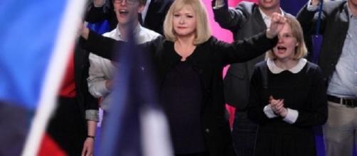 La líder de extrema derecha de ficción, parecida físicamente a Marine Le Pen.
