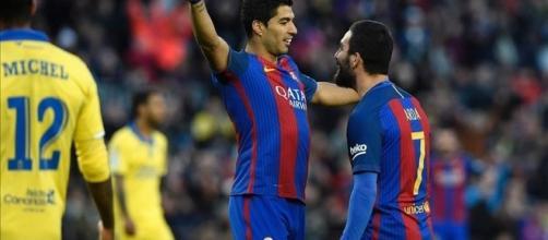 Pichichi Suárez celebra su segundo gol con asistencia de Arda Turan contra la UD Las Palmas