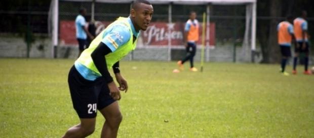 Grêmio se aproxima da contratação do atacante Angelo Rodríguez (Reprodução/Islandsports)