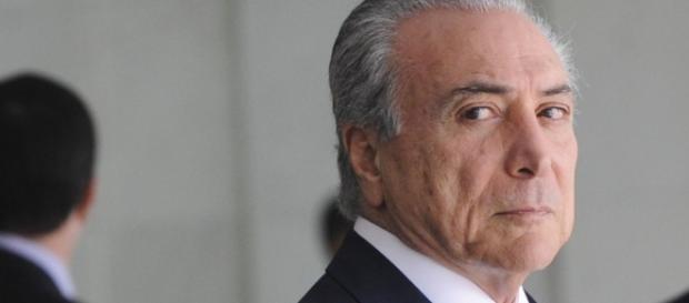 """Presidente Michel Temer fará """"faxina"""" na secretaria do governo"""