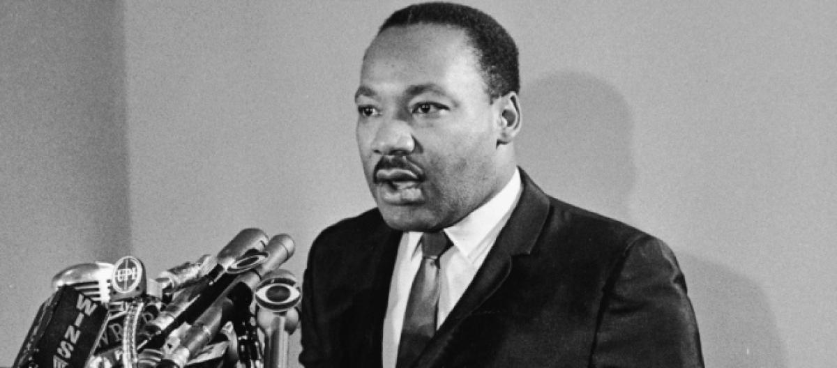 whats open martin luther king day banks post office walmart open or closed monday
