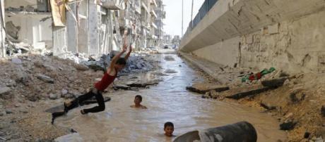 Alep : l'innocence malgré les bombes   Creative Memory - creativememory.org