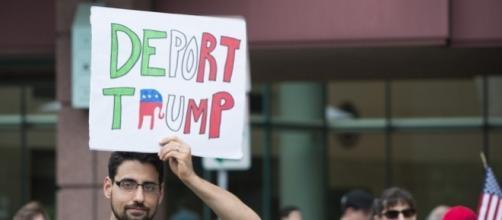 Manifestazione di protesta contro il presidente eletto degli Stati Uniti, Donald Trump