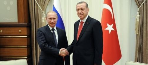 Vladimir Putin e Recep Erdogan, 'tessitori' dei nuovi negoziati sulla questione siriana