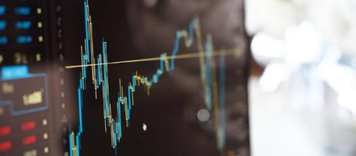 Why are so many TSX Venture Exchange stock and speck charts missing consolidation adjustments? / Pexels, PixaBay CC0 Public Domain