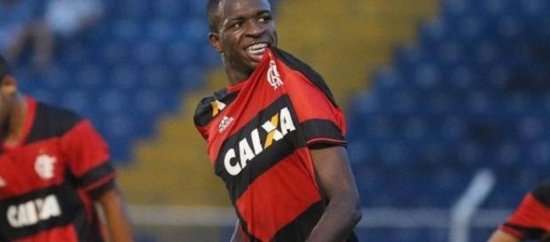 """Atacante de apenas 16 anos está protagonizando belas atuações na """"copinha"""". (Foto: Divulgação/Flamengo)"""