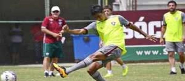 Felipe Amorim é o 28º jogador a deixar o Fluminense durante a gestão Pedro Abad (Foto: Net Flu)