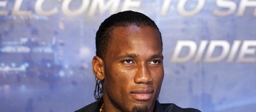 Atacante Didier Drogba é cotado para vestir a camisa do Corinthinas, mas a piada da vez foi com o time do Marília