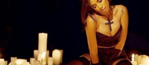 Foto postada pela cantora em seu Instragam, que causou polêmica