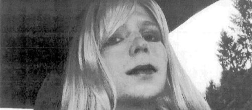 President Obama commutes Chelsea Manning's prison sentence. - people.com
