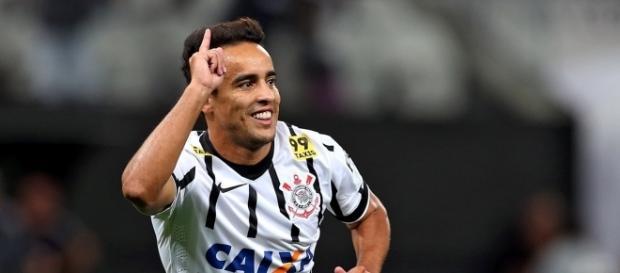 Atlético-MG pretende enviar proposta para o meia Jadson (Reprodução/UOL Esporte)