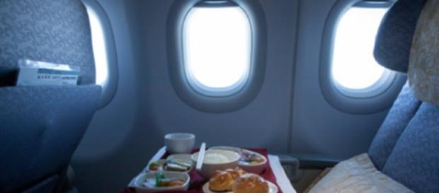 Aviões, apesar de seguros, podem não ser tão limpos e livres de bactérias assim