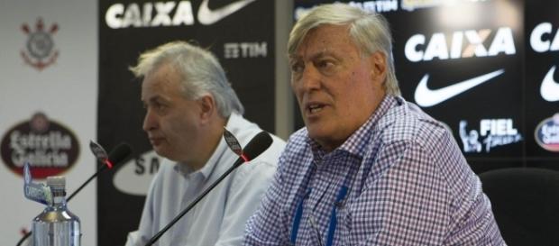 Diretoria do Corinthians inicia tratativas para anunciar mais duas contrações