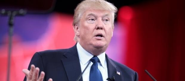 Donald Trump assume formalmente a presidência dos EUA no dia 20/01/2017.