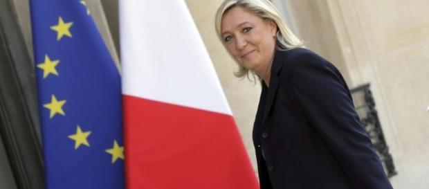 Le tapis rouge pour Marine Le Pen, avant la révolte du peuple ! - newsweek.com