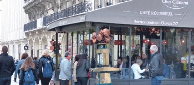 Les restaurants Chez Clément (ici, celui des Champs-Élysées) sont en redressement judiciaire et leur patron en prison