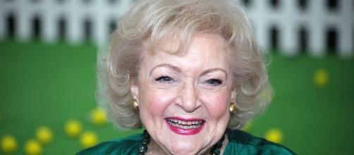 Betty White turn 95 - Photo: Blasting News Library - eyeopenertv.com