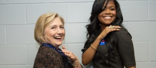 Clinton and Civil brush off their shoulders - hillaryclinton.com