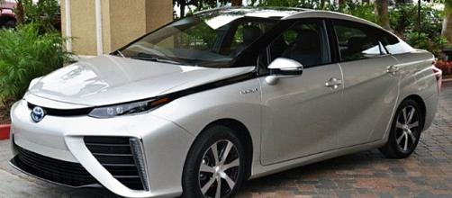 Toyota's Mirai gets put to the test in UAH. Maskrosen-Wikipedia