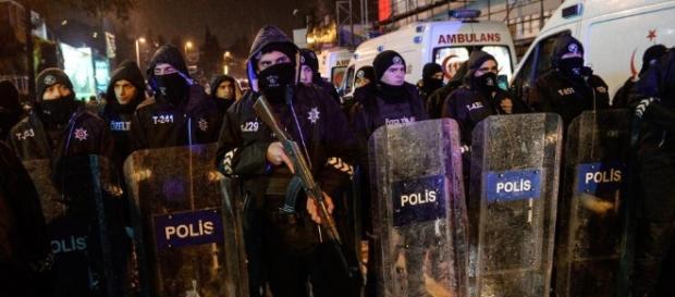 Moment terrorist dressed as Santa guns down 39 in Istanbul ... - thesun.co.uk