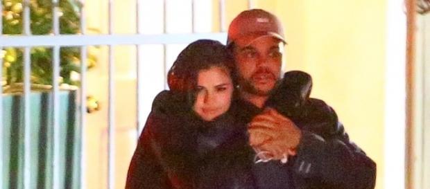 Os dois cantores estão em um relacionamento sério