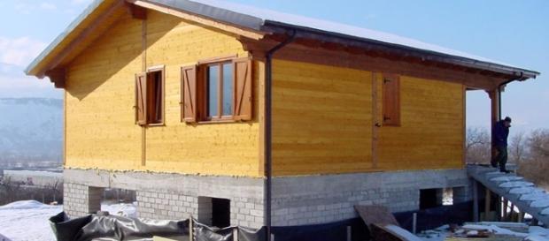 """Perché le """"casette"""" di Amatrice costano più delle case di lusso?"""