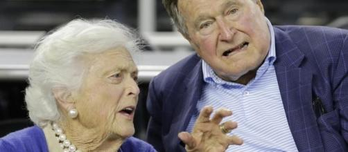Former President George H.W. Bush and Barbara Bush hospitalized - Photo: Blalsting News Library - bostonglobe.com