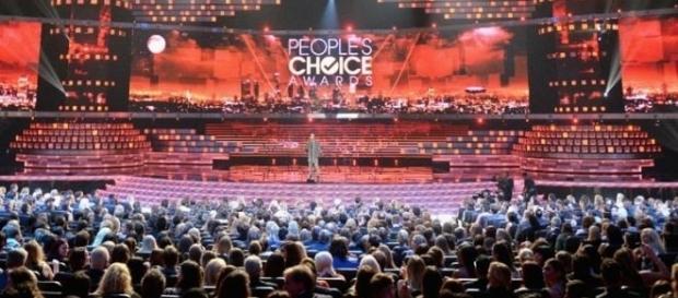 A 43ª edição do People's Choice Awards terá presenças bastante especiais
