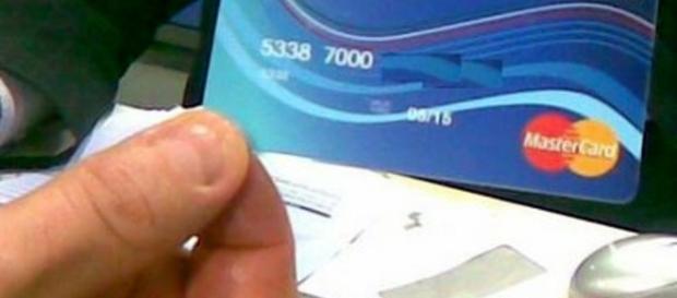 Carta acquisti come fare per richiederla riceverla o for Requisiti carta di soggiorno 2017