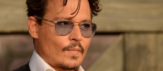 Johnny Depp cerca casa in Svizzera per star lontano dai paparazzi ... - panorama.it