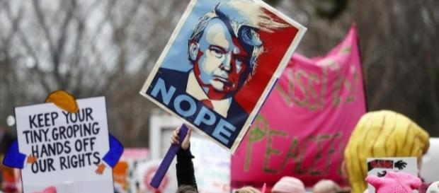 Miles de mujeres protestan en contra del presidente Donald Trump ... - com.mx
