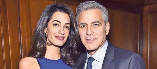 Amal y George esperan mellizos