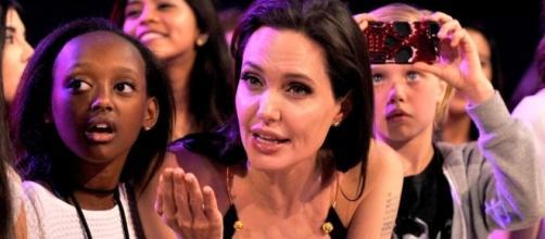 Angelina Jolie e Zahara no Kids' Choice Awards de 2015
