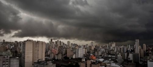 Especialista alertam sobre chuva forte nos próximos dias