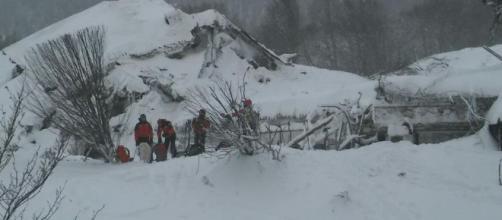L'hotel Rigopiano raggiunto dal soccorso alpino