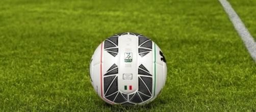 Serie B, presentato il pallone del campionato